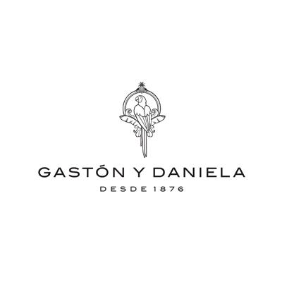 005. GASTON Y DANIELA