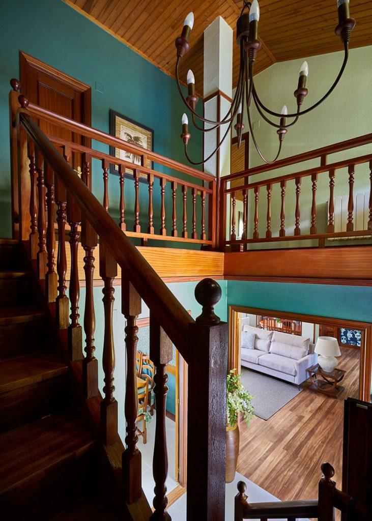 Restauración escalera madera bizkaia