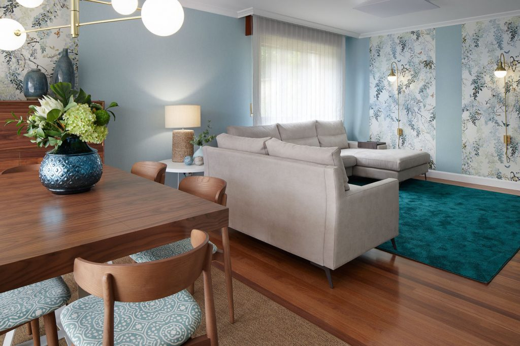 Vista completa salón-comedor Casa URDIN