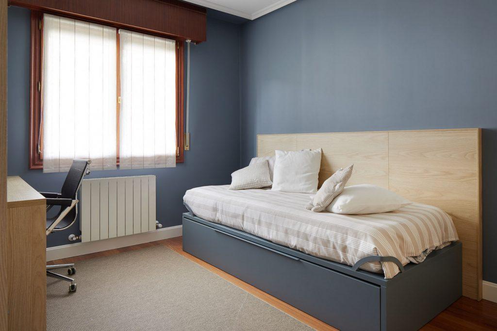 Cama dormitorio juvenil azul Casa URDIN