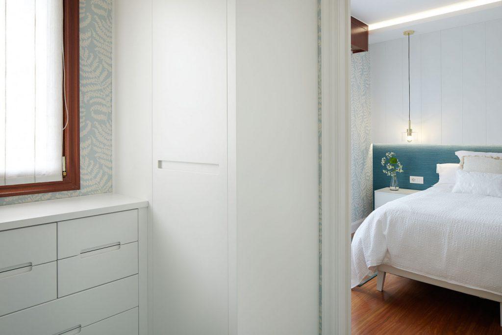 Detalle vestidor-dormitorio principal Casa URDIN