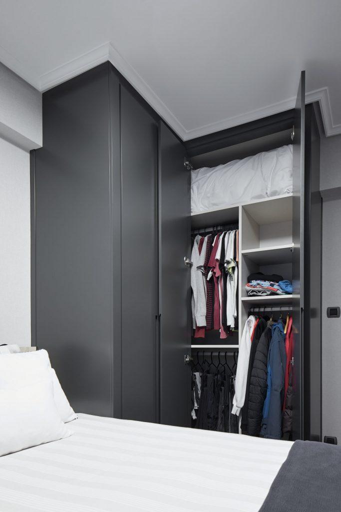 Dormitorios GAZTEA - Dormitorio Antracita, vista armario a medida abierto