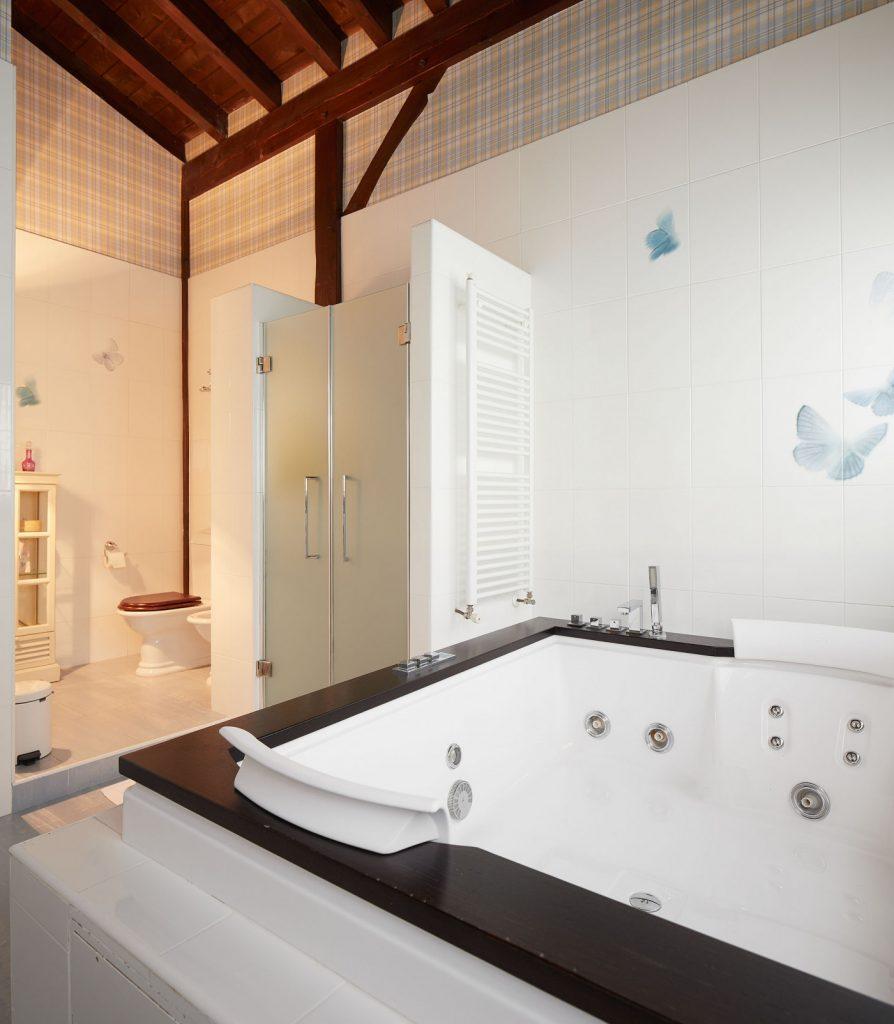 Baño principal Casa Tximeleta