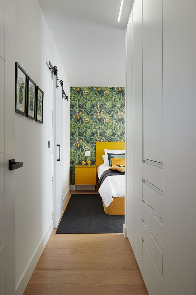 Pasillo del dormitorio principal de Casa Rainbow