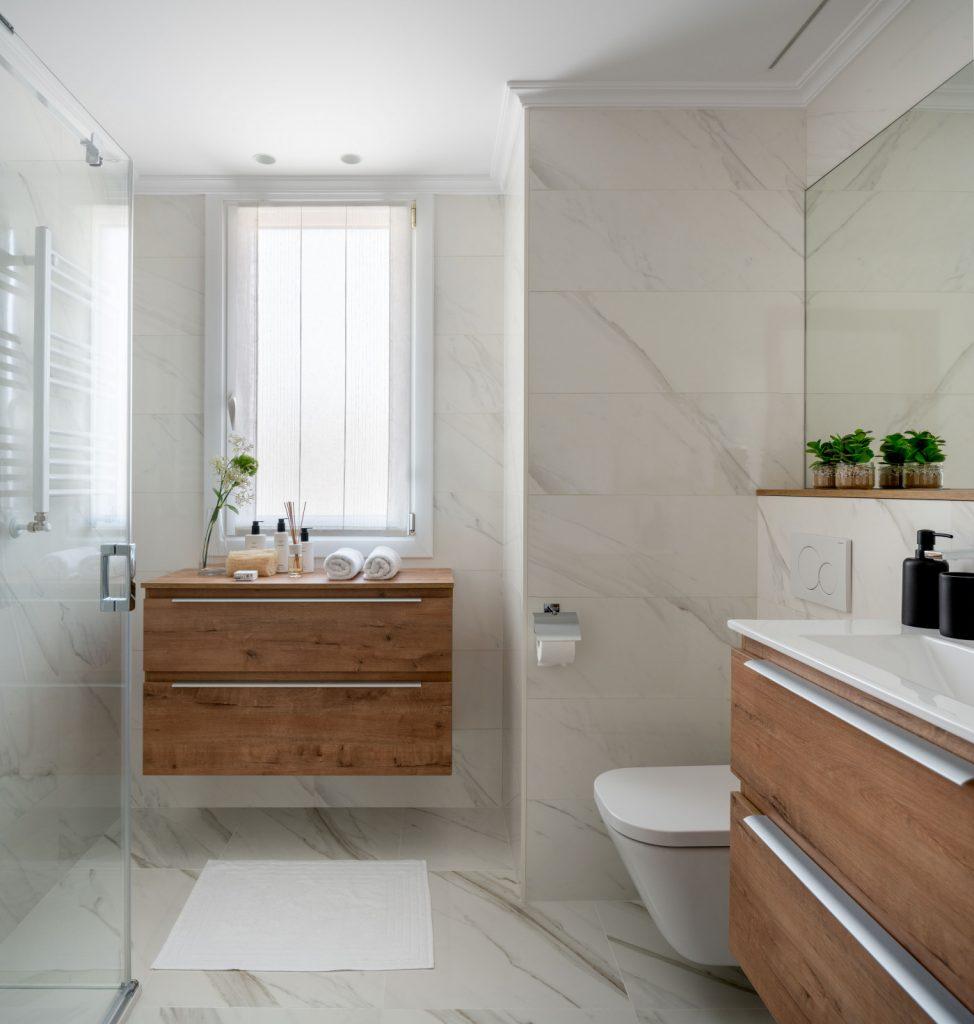 Baño principal reformado de Casa LUR.