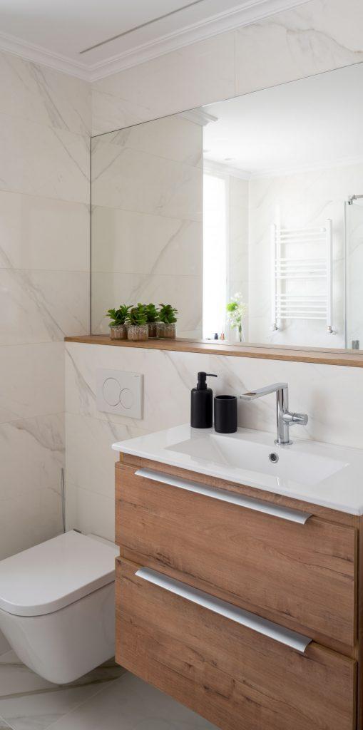 Lavabo del baño principal de Casa LUR.