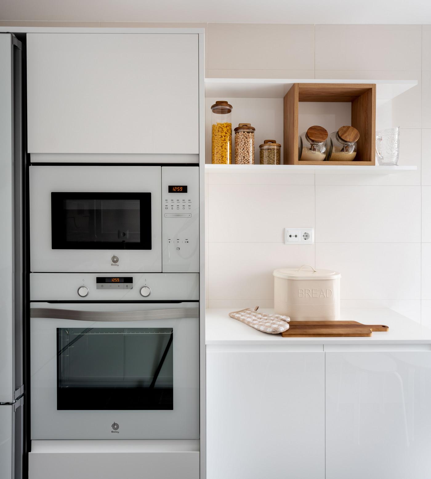 Electrodomésticos de la cocina reformada de Casa LUR.