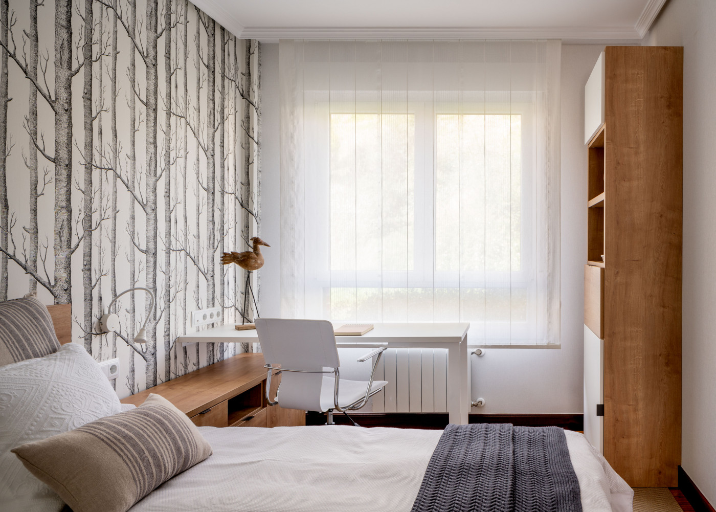 Dormitorio juvenil reformado de Casa LUR.