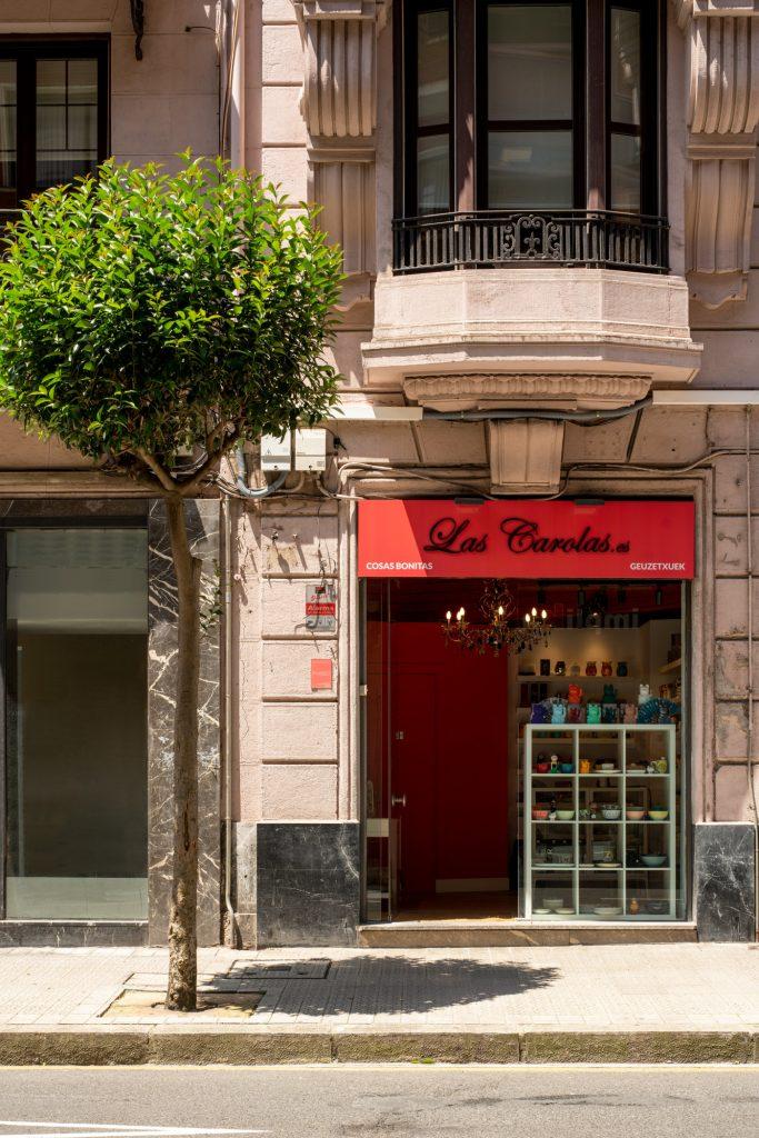 Fachada local comercial Las Carolas en Bilbao